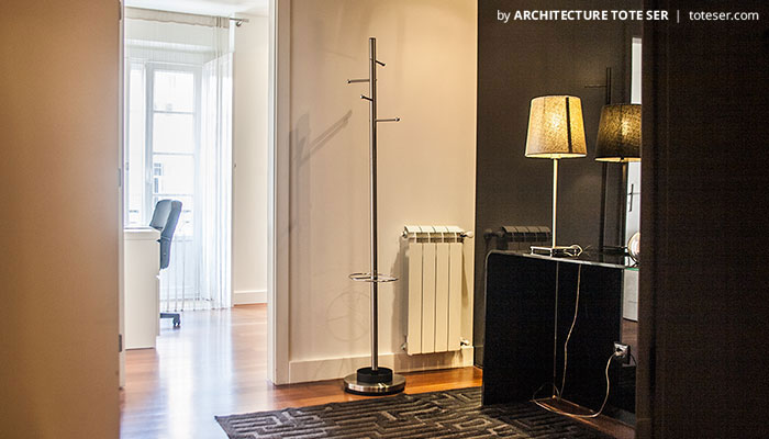 Hall of the 3 bedroom apartment in Chiado, Lisbon