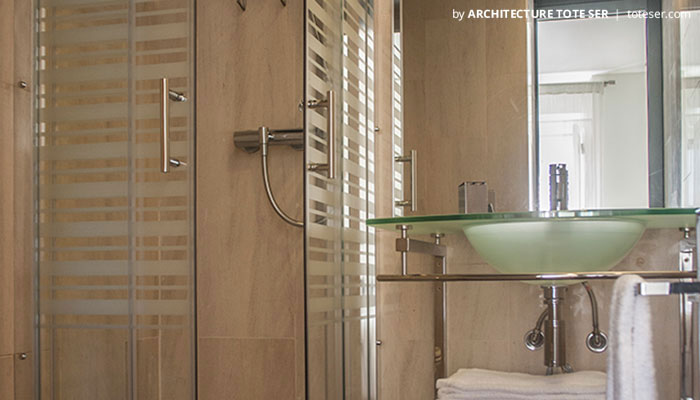 Bathroom' suite of the 3 bedroom apartment in Chiado, Lisbon