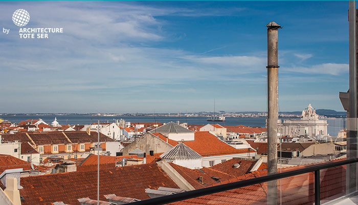 Vista do terraço do apartamento T2 duplex no Chiado, Lisboa