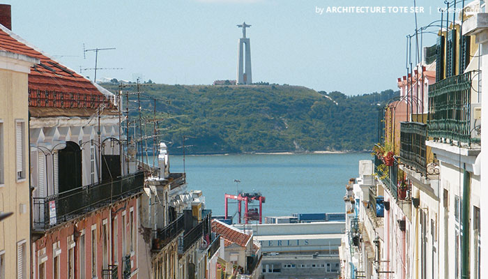 View of the 1 bedroom apartment in Lapa, Lisbon